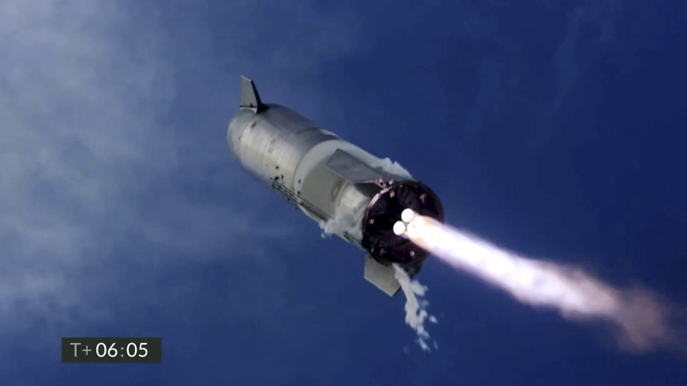 SpaceX Starship lands upright, then explodes in latest test