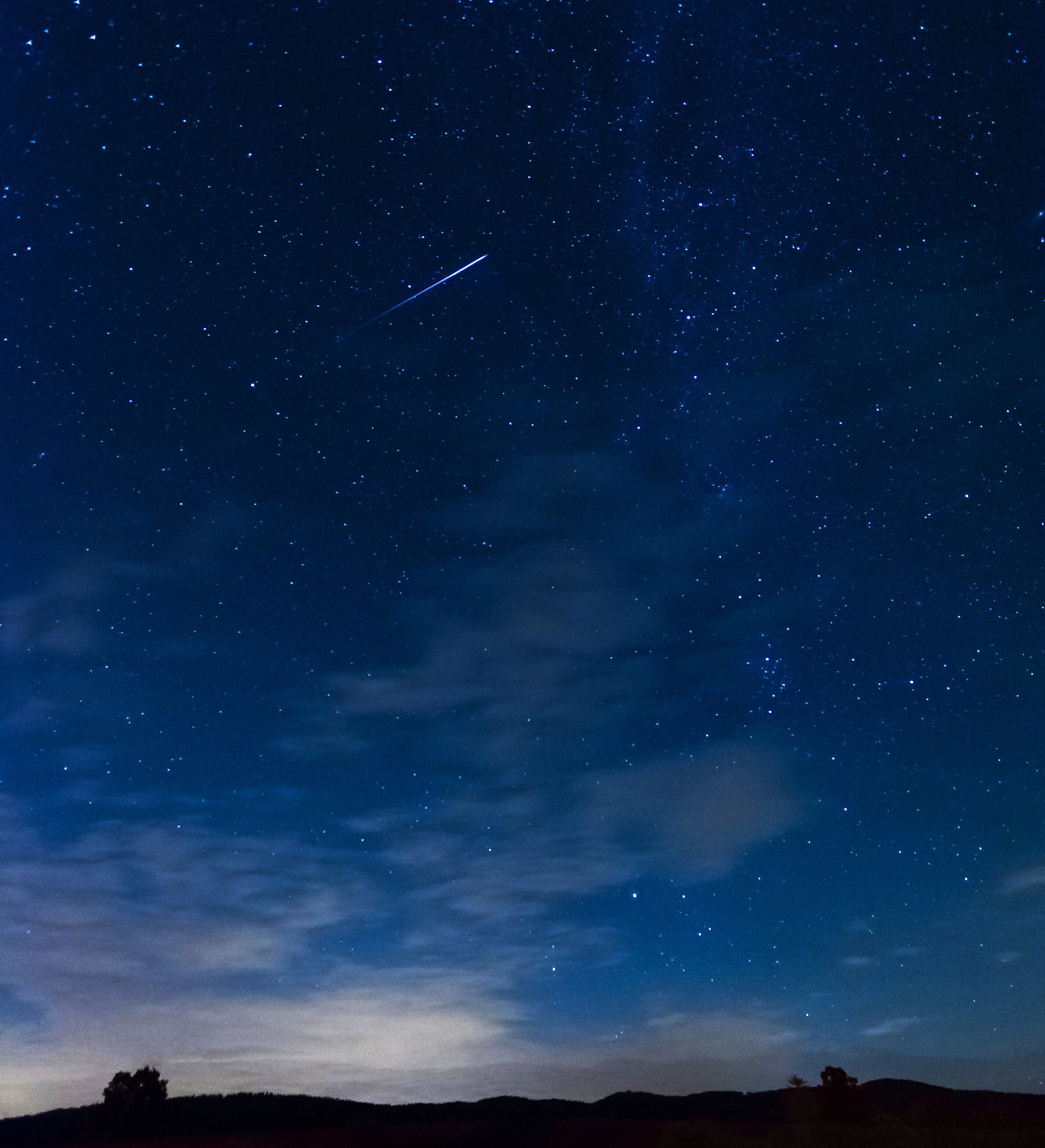 What happens when a meteor hits the atmosphere?